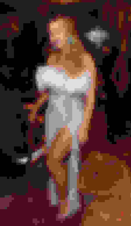Beyonce wearing SHILOH