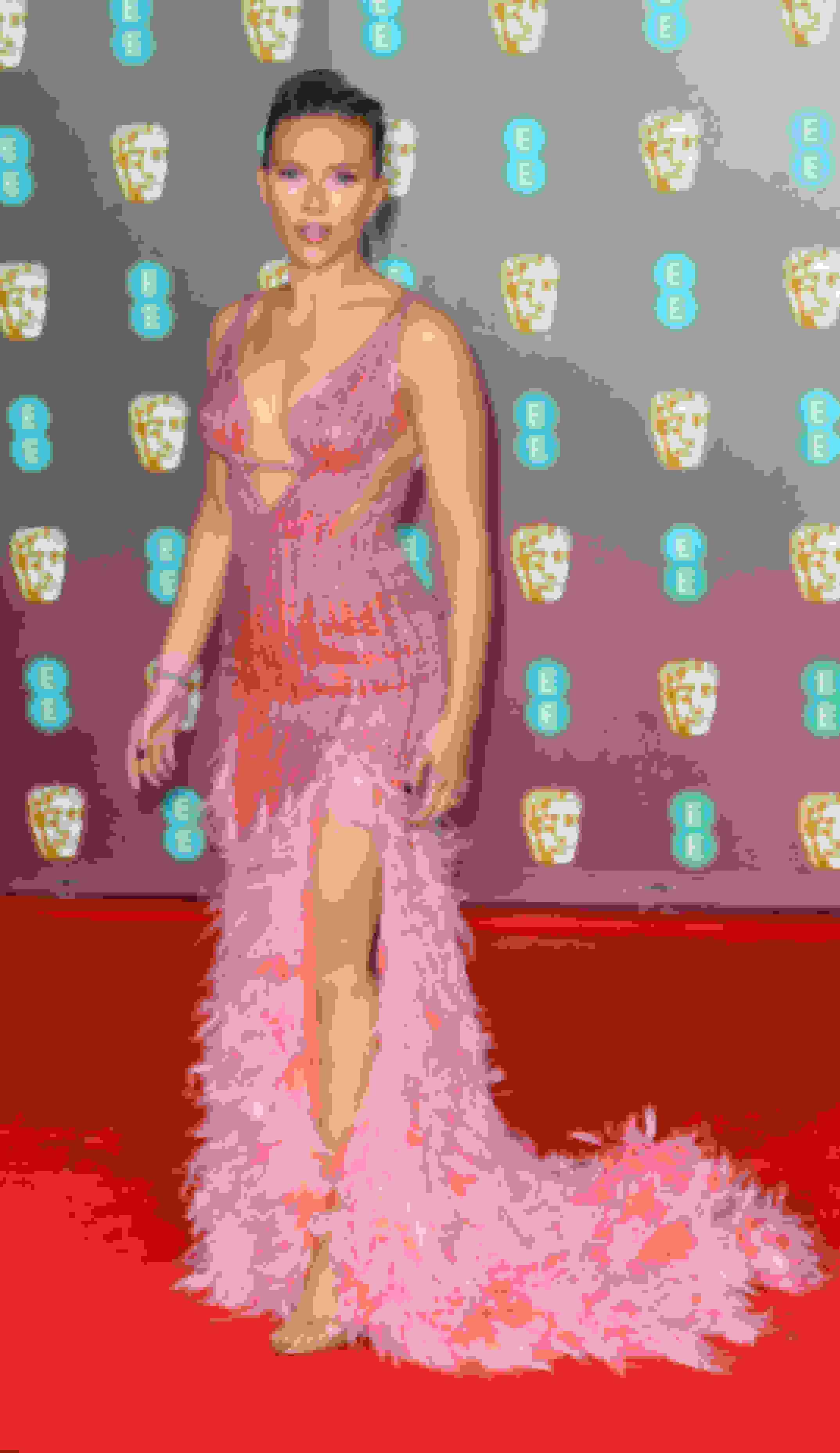 Scarlett Johansson wearing MINNY