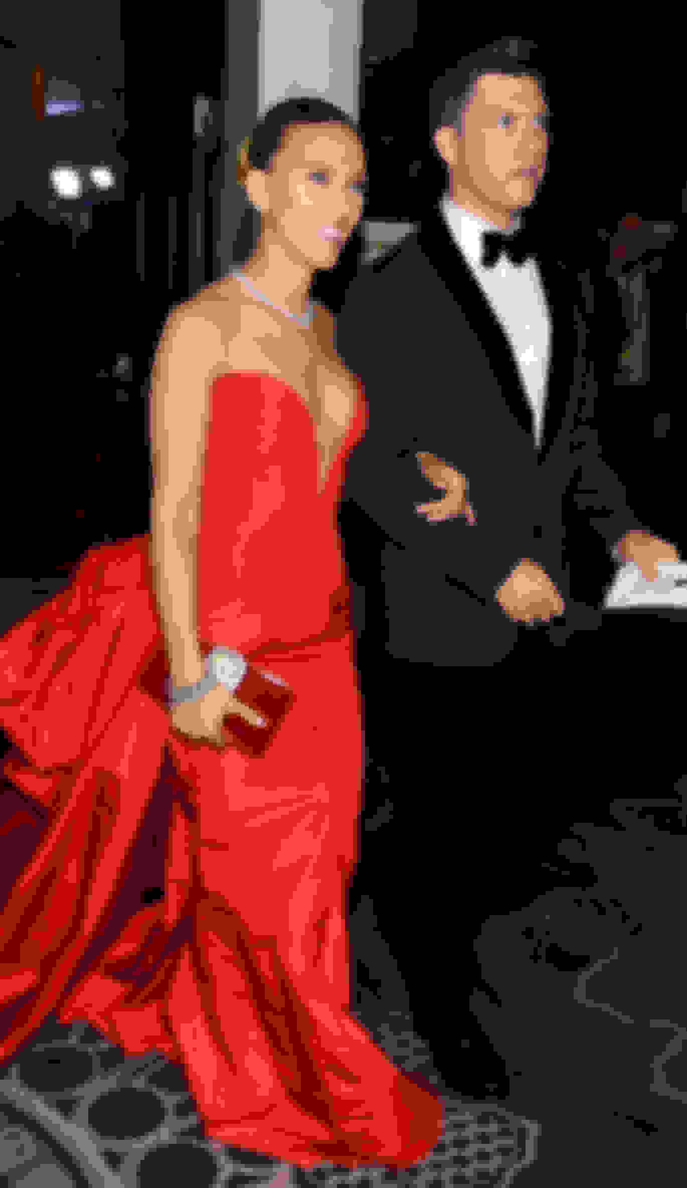 Scarlett Johansson carrying LEONIS