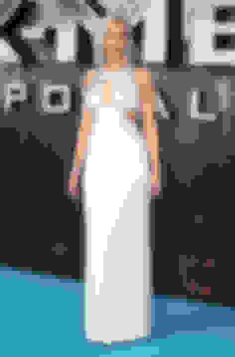 Jennifer Lawrence wearing Pearl