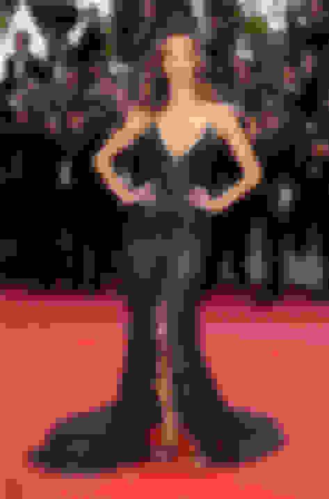 Alessandra Ambrosio wearing KAYLEE