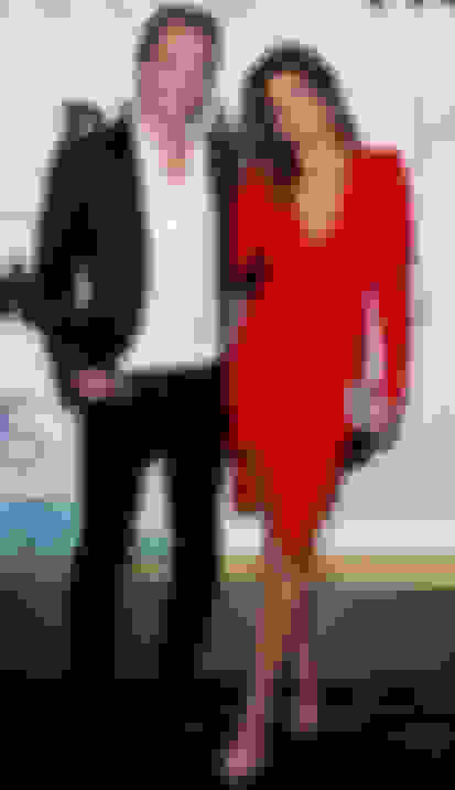 Cindy Crawford carrying CIGGY