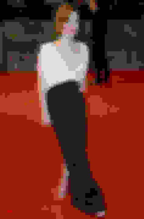Holliday Grainger wearing Minny