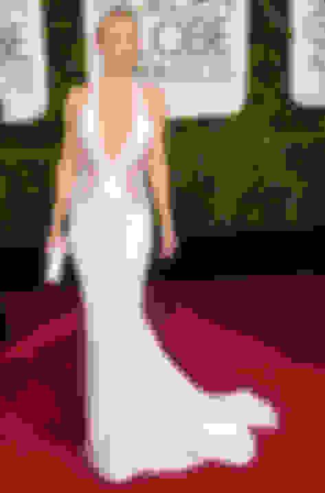 Kate Hudson carrying Cosma