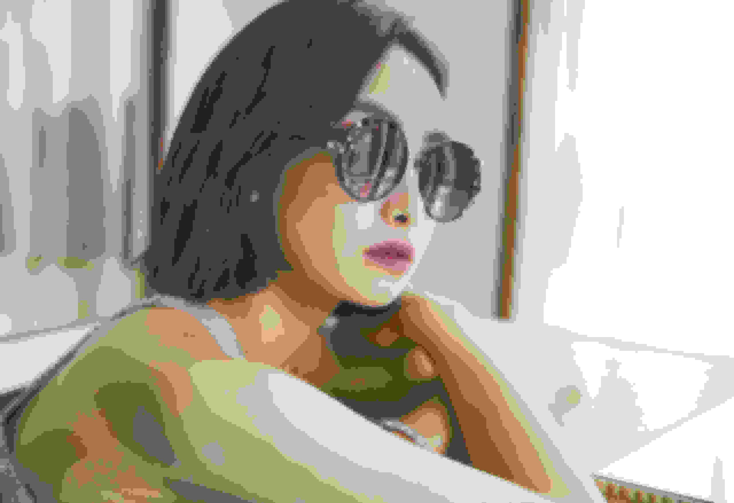 Victoria Song Qian wearing Jimmy Choo GEMA sunglasses